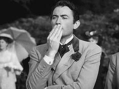 Gregory Peck, sending a kiss(GIF)