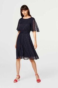 2918aceadf1 Esprit   Robe en chiffon à motif texturé et nœud à acheter sur la Boutique  en