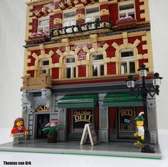 One of my favorite builders,Utanapishtim, got around to posting a two year old model of an Aachen (Germany) shopping center. The building uses excellent details, especially in the windows and arch…