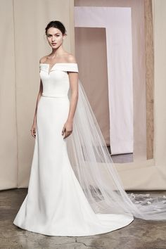It accents the Justin Alexander Signature Laurel wedding gown and can also be added to many other styles. Stunning Wedding Dresses, Best Wedding Dresses, Wedding Gowns, Stella York, Justin Alexander Signature, Detachable Wedding Dress, Wedding Gown Gallery, Gown With Slit, Column Dress