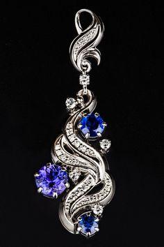 Редкий дуэт танзанитов и сапфиров в новых эксклюзивных украшениях от «Русских самоцветов» Kids Ornament, Ornaments, Pendant Necklace, Earrings, Jewelry, Indian, Fashion, Jewels, Ear Rings