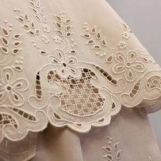 Best Ideas For Embroidery Machine Monogram Link Cushion Embroidery, Cutwork Embroidery, Embroidery Fashion, Hand Embroidery Patterns, White Embroidery, Lace Patterns, Machine Embroidery Designs, Lace Beadwork, Cut Work