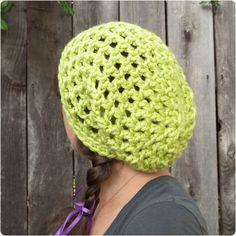 Free Crochet Pattern: Waffle Cone Slouchy Hat | Gleeful Things