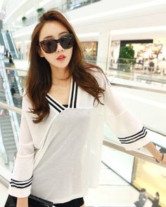 TC003499 Thin Korean style black-white loose sweater for women