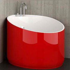 Cool Mini Bathtub Of Fiberglass For Small Spaces : DigsDigs --- pp: Dimensions are a little over Dia. Not bad for a Tiny House bathroom.