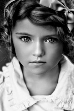 .beautiful eyes - absolutely stunning shot! I want a picture like this of my daughter