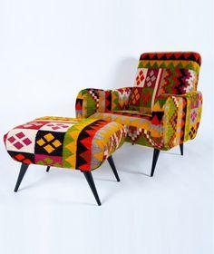 fauteuil tabarka kilim noir gris et cru rock the kasbah par philippe xerri oranjade. Black Bedroom Furniture Sets. Home Design Ideas