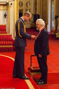 'Arise, Sir Billy! Billy Connolly is know officially Sir Billy Connolly after being knighted in a ceremony at Buckingham Palace (October 31 The Scottish comedian was honoured in. Prince George Alexander Louis, Prince William And Catherine, Investiture Ceremony, Billy Connolly, Laughing Face, Great Comedies, Celebrities Then And Now, Princess Kate, Princess Charlotte