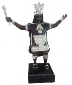 Handgeschnitzt in #Peru #Inka #Priester massiv Zedernholz 950er Silber Inka, Peru, Samurai, Accessories, Cedar Wood, Priest, Wooden Figurines, Wood Carvings, Arts And Crafts