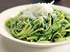 Linguini with Kale Pesto Recipe : Rachael Ray : Food Network Food Network Recipes, Food Processor Recipes, Cooking Recipes, Healthy Recipes, Meatless Recipes, Vegan Meals, Cheese Recipes, Healthy Foods, Yummy Recipes
