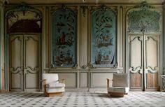 château des singes, salon, fresques murales, urbex, château