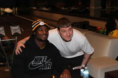 "Le'Veon Bell Public Signing 11-28-14 #PittsburghSteelers #Le'VeonBellsigning ""totalsportsenterprises http://www.tseshop.com/?AffId=63"