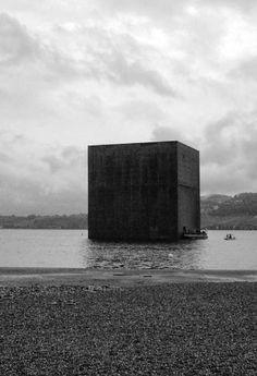 Monolith / Jean Nouvel