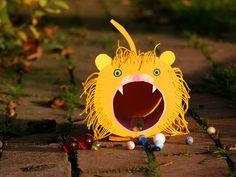 Kostenlose Spiel basteln: Hungriger Löwe zum Basteln