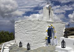 Nothing beats a chapel towering above the Mediterranean. Mount Rushmore, Villa, Tower, Mountains, Beats, Nature, Travel, Wedding, Valentines Day Weddings