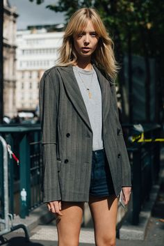 Street Style_ long line blazer worn with jersey tee & denim shorts | Saved by Gabby Fincham |