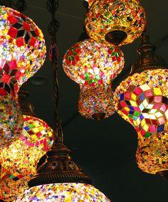 キリム/ガラタバザール - トルコランプ/シャンデリア・モザイクランプ<店舗照明>7灯アルムット幾何学モチーフのフレーム10W×7灯