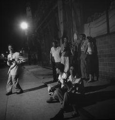 East Harlem New York 1953 ( Photo by Phillip Harrington )