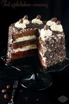 Klasyka w najprostszym wydaniu. To jeden z tych tortów, które można przygotować dosłownie godzinę przed przybyciem gości.  Wilgotny,  niezbyt słodki, z lekko wyczuwalnymi procentami (oczywiście w wersji dla dorosłych). Polubią go duzi i mali. ;) Polish Desserts, Polish Recipes, Cookie Desserts, Baking Recipes, Cake Recipes, Dessert Recipes, Cherry Cake Recipe, Chocolate Cherry Cake, Different Cakes