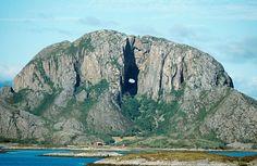 Torghatten en Noruega.
