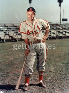 Joe Garagiola was born and raised in St Louis, Mo. He grew up on Elizabeth Avenue in an Italian-American neighborhood known as The Hill. He lived just a few doors down from his childhood friend and competitor, Yogi Berra. Baseball Photos, Sports Baseball, Baseball Jerseys, Baseball Players, Baseball Cards, Baseball Stuff, Sports Pics, Basketball Socks, Baseball Equipment
