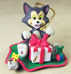Figaro Ornament