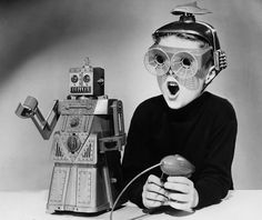 Playing with the Robot 60ies Toys