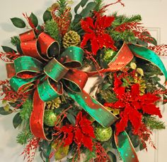 Traditional Christmas Wreaths, Red Poinsettias