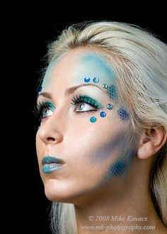 Colorful aquatic mermaid themed blue make-up embellished with gems. Simpler than the other mermaid themed makeup, Ariana. Sfx Makeup, Costume Makeup, Makeup Art, Beauty Makeup, Hair Makeup, Teal Makeup, Fish Makeup, Airbrush Makeup, Costume Halloween