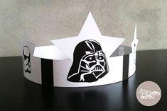Avec la sortie du nouveau Star Wars 7 – Le Réveil de la Force, votre fils ne cesse de vous parler de Dark Vador, des stormtroopers, chubaka et autres personnages fantastiques de cette saga culte. A l'occasion de l'épiphanie et de sa traditionnelle galette des rois, nous vous proposons de télécharger gratuitement ce gabarit de la couronne de Star Wars.