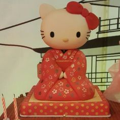 Hello kitty kimono birthday cake