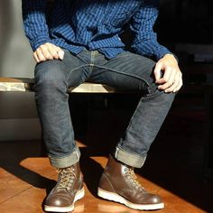 """Red Wing heritage 8134 6"""" Round Toe boot"""