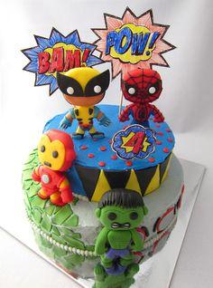 Hermosa y creativa torta de super heroes