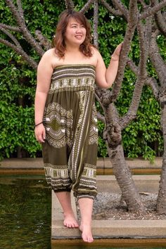 Plus Size Green Thai Hippie Pants Hippie Hose, Hippie Pants, Plus Size Harem Pants, Green Thai, Plus Size Tips, Ethnic Print, Complimentary Colors, Old Women, Green Dress