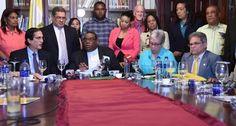 Gobierno y Colegio Médico firman acuerdo definitivo tras innumerables diálogos