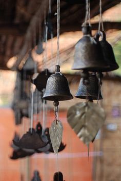 Make Mom's bells into a wind chime. I love wind chimes Japanese Wind Chimes, Statues, Temple Bells, Ring My Bell, Diy Wind Chimes, Bagan, Suncatchers, Garden Art, Garden Totems