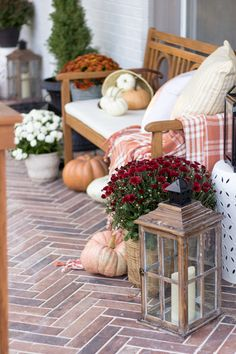 Front Porch Dressed Up for Fall - Shades of Blue Interiors Fall front porch with herringbone brick tile Front Porch Decor Small bench Fall Home Decor, Autumn Home, Rustic Outdoor Decor, Outdoor Ideas, Porch Decorating, Decorating Ideas, Holiday Decorating, Seasonal Decor, Autumn Decorations