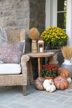 Warm and cozy fall decorating ideas and tips. Tour our farmhouse cottage filled with fall decor that evokes the feeling of the season. Fall Fireplace, Family Room Fireplace, Fall Home Decor, Autumn Home, E Design, Design Homes, Design Concepts, Interior Design, Porch Decorating