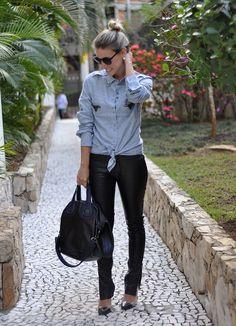 glam4you - nati vozza - couro - jeans - camisa - givenchy - look - sapato transparente #EasyNip