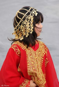 Traditional Clothe With Gold - Bahrain