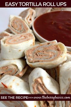 EASY TORTILLA ROLL UPS! Requires 4 ingredients, a few minutes to make and I never have leftovers! These cream cheese salsa roll ups are perfect for parties and gatherings! Tortilla Roll Ups Appetizers, Tortilla Pinwheels, Tortilla Rolls, Roll Ups Tortilla, Recipes Appetizers And Snacks, Easy Appetizer Recipes, Wrap Recipes, Tortilla Wraps, Desserts