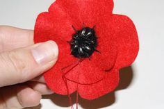 felt poppies for Remembrance Day | Tally's Treasury