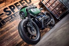 """utwo: """"Green Light Racer © k speed bangkok """" BMW cafe Bmw Cafe Racer, Cafe Racer Motorcycle, Motorcycle Garage, Green Motorcycle, Bobber Custom, Custom Cafe Racer, Custom Bikes, R Cafe, Moto Cafe"""
