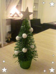 nukketalon joulukuusi Christmas Tree, Holiday Decor, Home Decor, Teal Christmas Tree, Decoration Home, Room Decor, Xmas Trees, Christmas Trees, Home Interior Design
