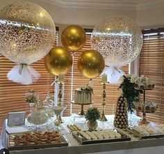 Black Gold Party Thank you to the of this gorgeous pic of our signature giant confetti and tassle balloons and round gold orbs balloons - 50th Party, 60th Birthday Party, Mom Birthday, 60th Birthday Decorations, 50th Wedding Anniversary Party Ideas, 50th Birthday Balloons, Adult Party Decorations, New Years Eve Party Ideas Decorations, 21st Birthday Centerpieces