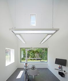 Neat and Welcoming Dental Clinic in the Netherlands - http://freshome.com/2013/02/12/welcoming-and-neat-dental-clinic-in-the-netherlands/