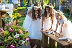 arraial d´ajuda, casar na bahia, casar em arraial d´ajuda, vestido de noiva, decoração , decorações ,  , vestido de noiva,  , delicadeza, noiva delicada, vestido branco , casando a tarde, bolo de noiva, bolo arraial