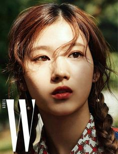 TWICE took part in a chic pictorial with 'W' magazine's latest issue, in sync with their comeback!The girls posed in vintage style dresses, matching p… Kpop Girl Groups, Korean Girl Groups, Kpop Girls, K Pop, Nayeon, Sana Cute, Twice Photoshoot, Warner Music, W Korea