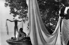Dans le cadre du festival Photo Saint Germain, la galerie Le Voleur d'images présente une exposition consacrée à Marc Riboud, avec un focus sur ses photographies réalisée en Asie. Un promeneur en Asie rassemble une vingtaine de tirages prises tout au long de la carrière du célèbre photographe en Inde, au Cambodge, au Népal, en Chine et au Vietnam.