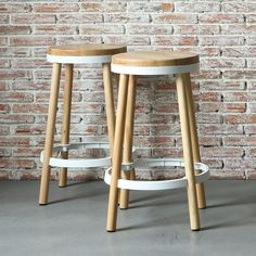 These Daisy Chain Stools are ready to enhance your area with their natural charm, the addition of the White circular metal ring on the seat base and middle o. Scandinavian Furniture, Metal Ring, Daisy Chain, Home And Deco, Bar Stools, Middle, Base, Natural, Painting